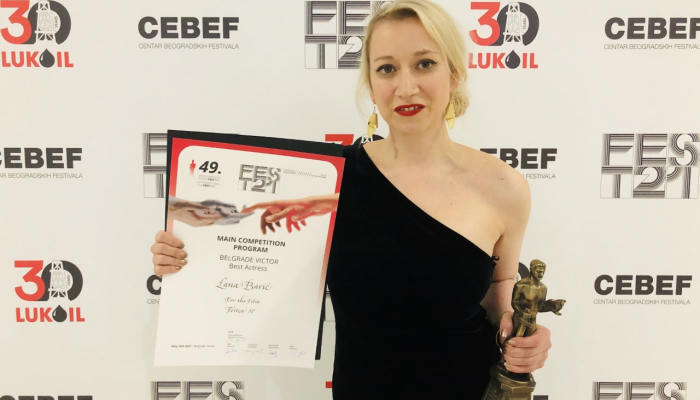 Lani Barić nagrada za najbolju glumicu na 49. FEST-upovezana slika