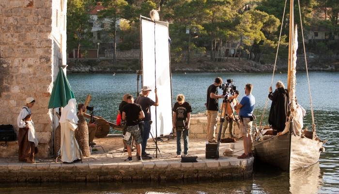 Na Hvaru završeno snimanje filma <em>Ribanje i ribarsko prigovaranje</em> Milana Trencapovezana slika